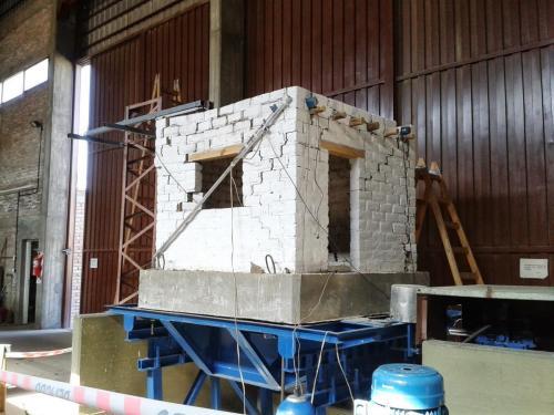Reforzamiento casa de adobes